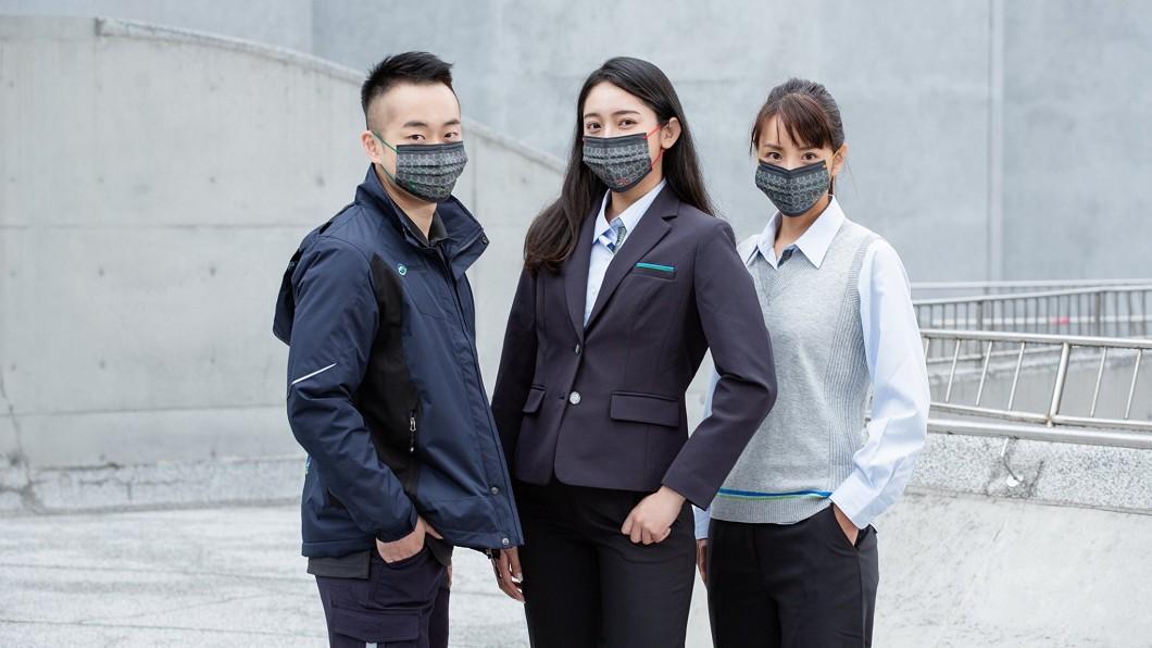 北捷和CSD中衛合作推出慶生紀念款口罩。(圖/翻攝自台北捷運臉書) 北捷今送25萬中衛口罩 APP塞爆網哀號:進不去