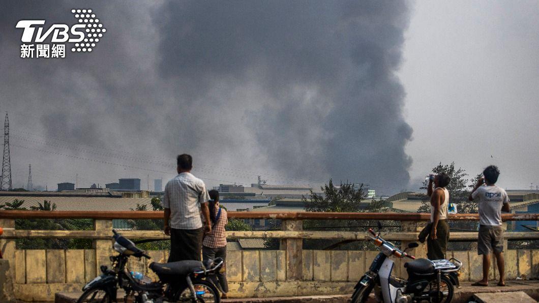 緬甸情勢持續惡化。(圖/達志影像美聯社) 緬甸情勢持續惡化 台商憂治安動盪經濟大倒退
