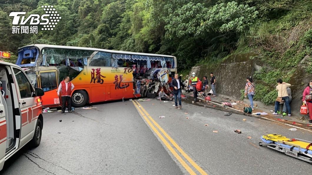 圖/TVBS 蘇花公路遊覽車撞山 林佳龍:路線線型非釀禍原因