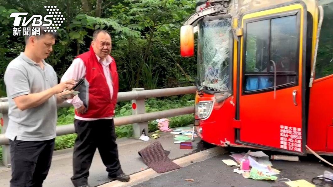 遊覽車撞山釀5死 肇事駕駛:踩不到煞車
