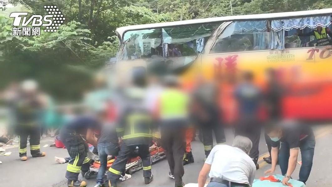 台9線蘇花公路115公里處發生重大車禍。(圖/TVBS) 蘇花遊覽車撞山釀6死 完整送醫名單公布