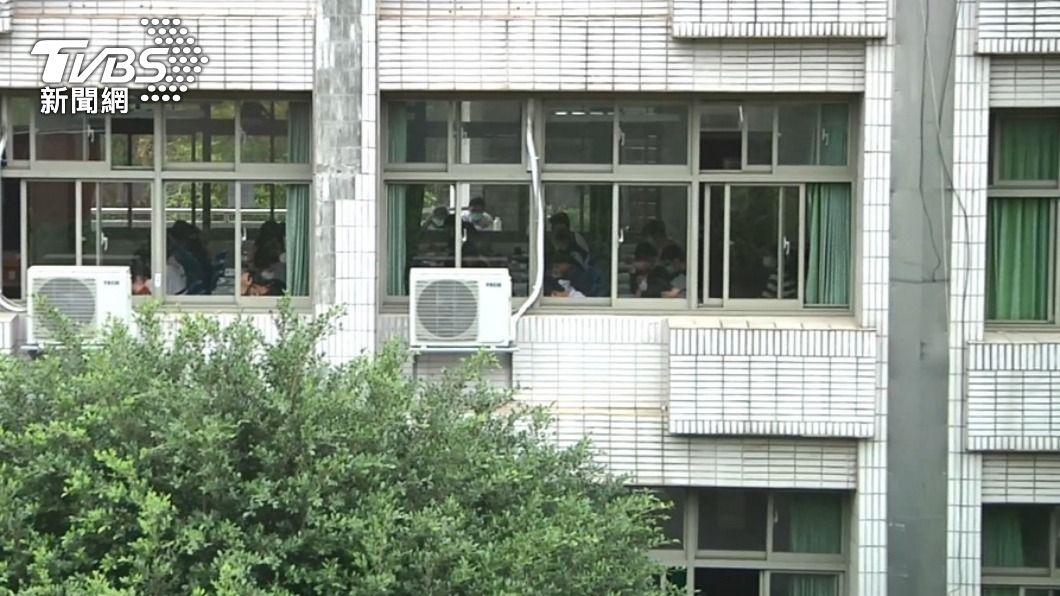 萬華區中小學仍維持繼續上課。(圖/TVBS) 萬華疫情失控! 未達停課標準「中小學生正常上學」
