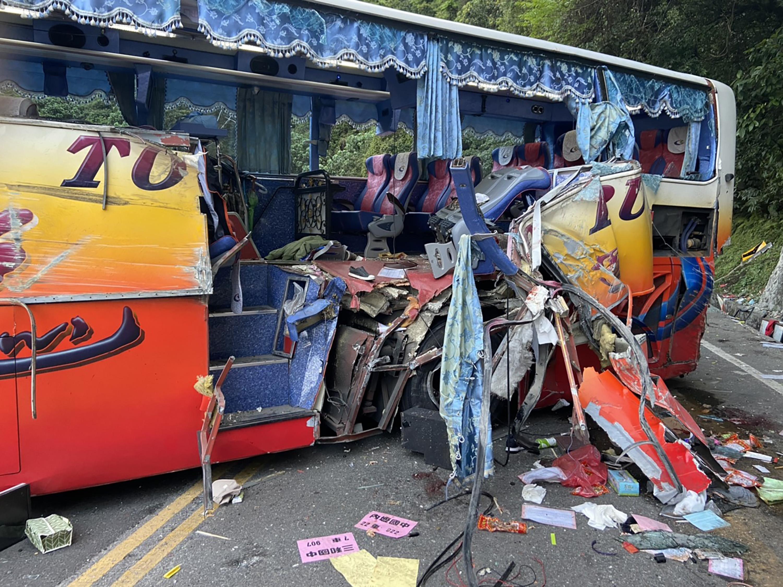圖/中央社 找原因!蘇花公路遊覽車撞山 車齡3年 司機20年駕駛經驗