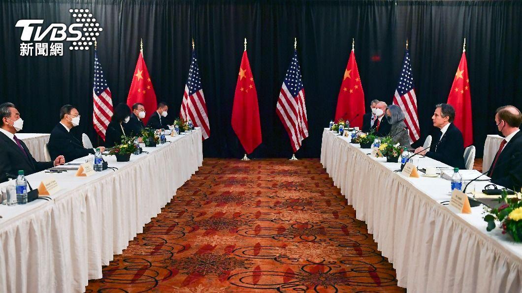 美中高層外交官員今天在阿拉斯加州會談。(圖/達志影像美聯社) 你提新疆香港、我揭歧視非裔 美中會談吵架開場