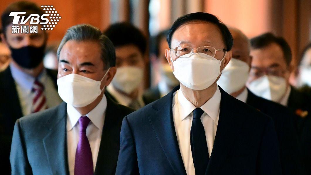 楊潔篪(右)與王毅(左)參加美中高層會晤。(圖/達志影像美聯社) 美中高層會晤 楊潔篪:美國沒資格居高臨下對中國說話