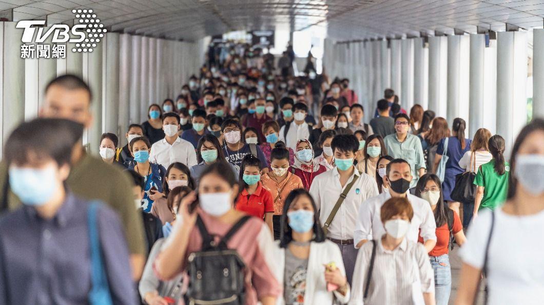 全球至少270萬5934人死於新冠肺炎,1億2263萬9917例確診。(示意圖/shutterstock達志影像) 全球新冠病歿達270萬人 IMF擴充儲備金助窮國復甦