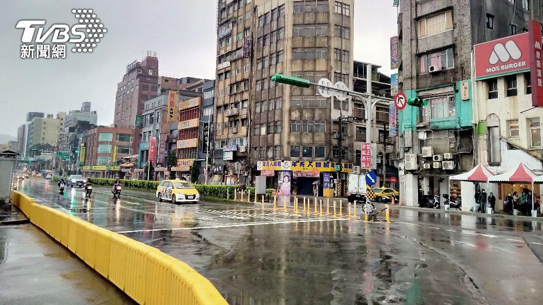 基一信橋拆除提前完工。(圖/中央社) 「基一信橋」提前18hr拆除完工 21日6時恢復通行