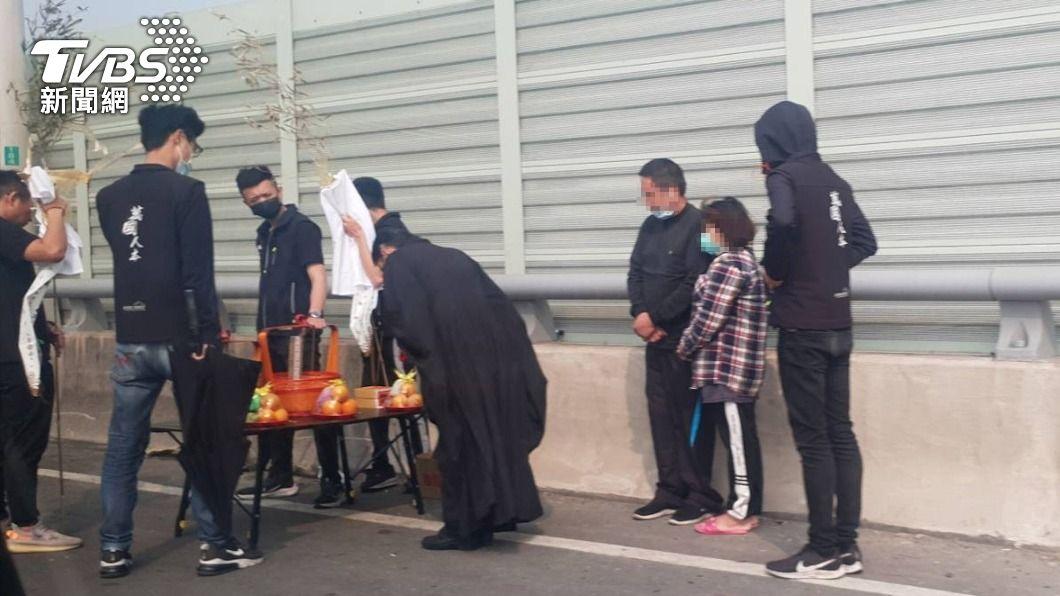 西濱快速道路車禍已釀3死。(圖/中央社) 西濱車禍釀3死 預拌混凝土車司機過失致死送辦