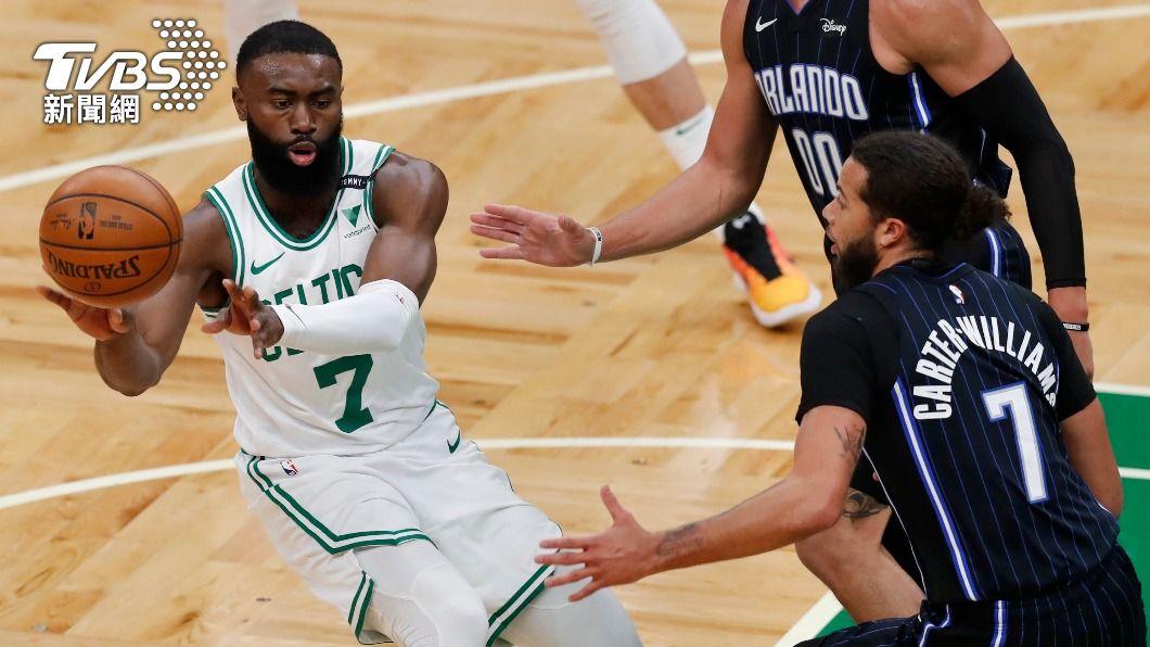 (圖/達志影像美聯社) NBA布朗10顆三分球生涯新高 塞爾蒂克輕取魔術