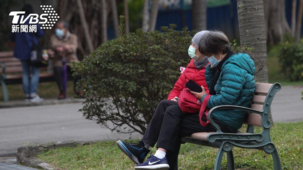 (圖/中央社) 注意保暖!冷氣團發威驟降10度 雙北9人猝死