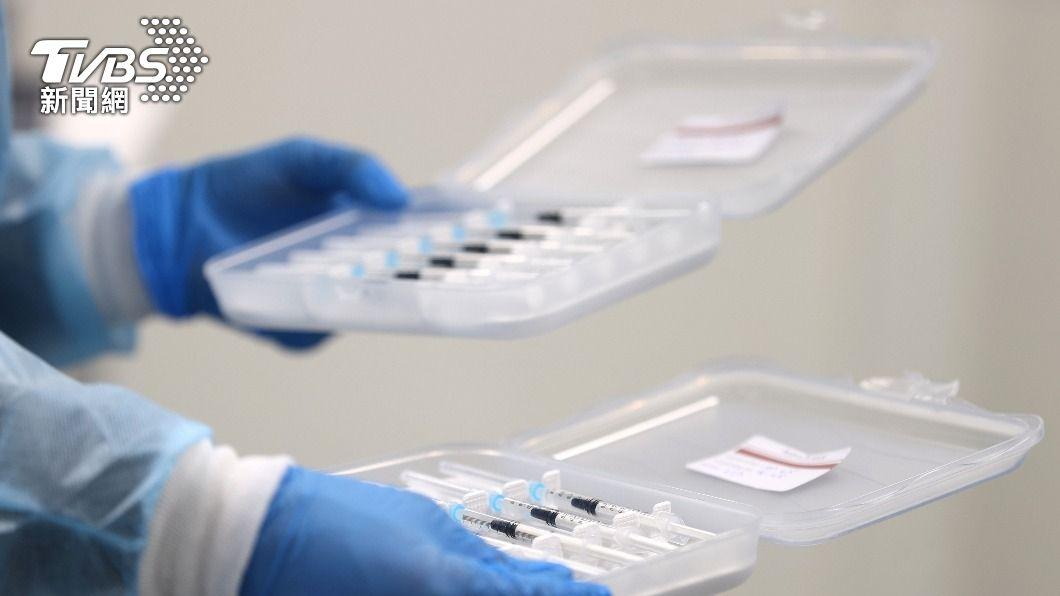 (圖/達志影像路透社) 新冠疫苗陸續到貨 歐洲可望7月前達群體免疫