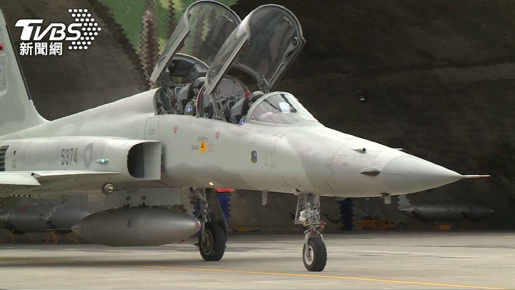 圖為F-5E戰機,非當事軍機。(圖/TVBS資料畫面) 志航基地2架F-5E戰機疑擦撞墜海 半年折損3架
