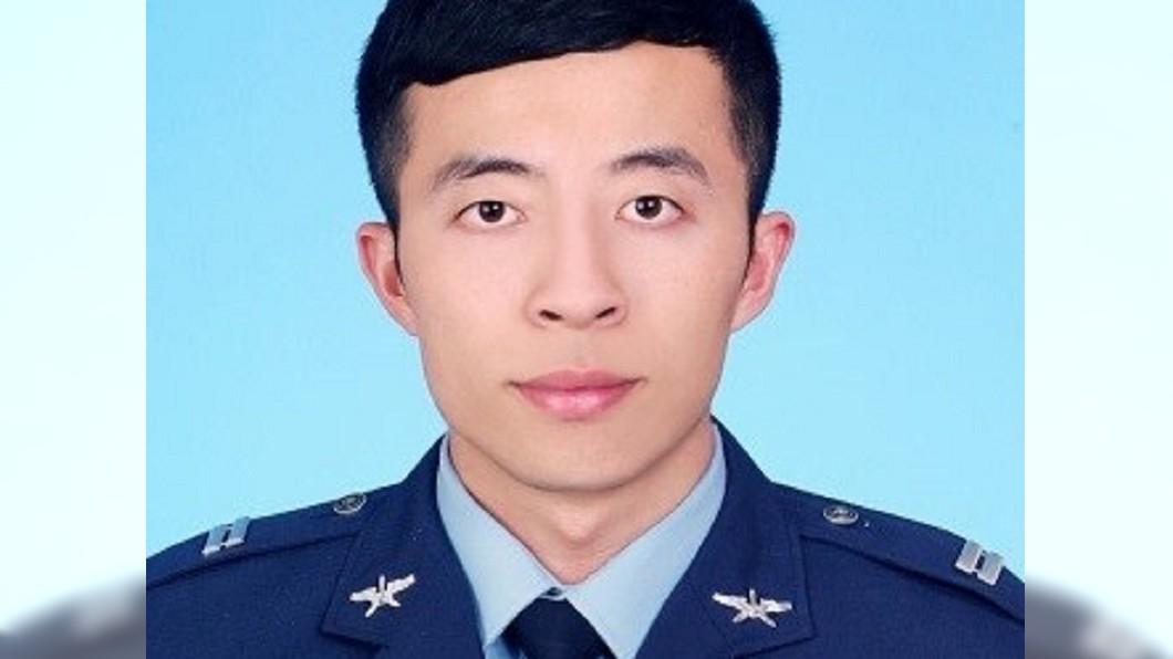 圖/TVBS F-5E擦撞墜海 殉職飛官羅尚樺死因出爐
