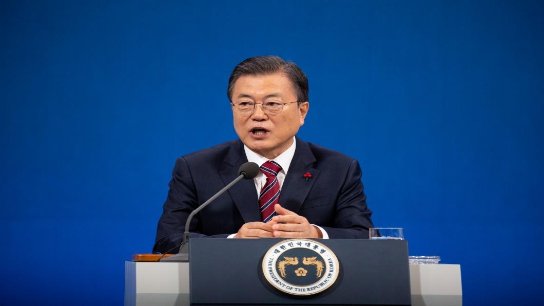 圖/達志影像路透  「疫苗沒問題!」南韓總統文在寅帶頭接種AZ