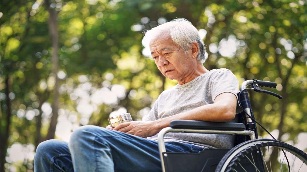 圖/翻攝自 Shutterstock 疫情催人老!日本高齡者體力因疫加速衰退
