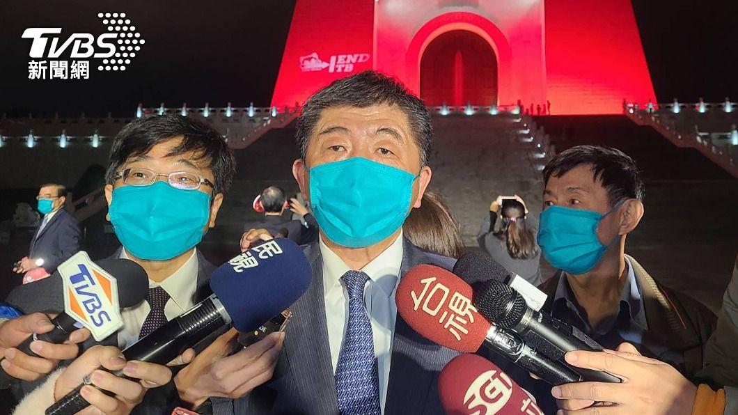 陳時中自曝有輕微發燒。(圖/中央社) 打完AZ疫苗第一晚 陳時中自曝:肌肉緊繃有發燒