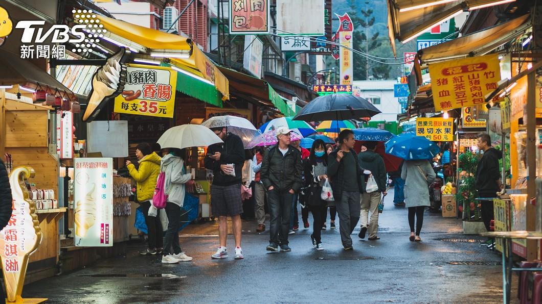 2021年首波梅雨鋒面報到。(示意圖/shutterstock 達志影像) 出門帶傘!明首波「梅雨鋒面」報到 降雨時程曝