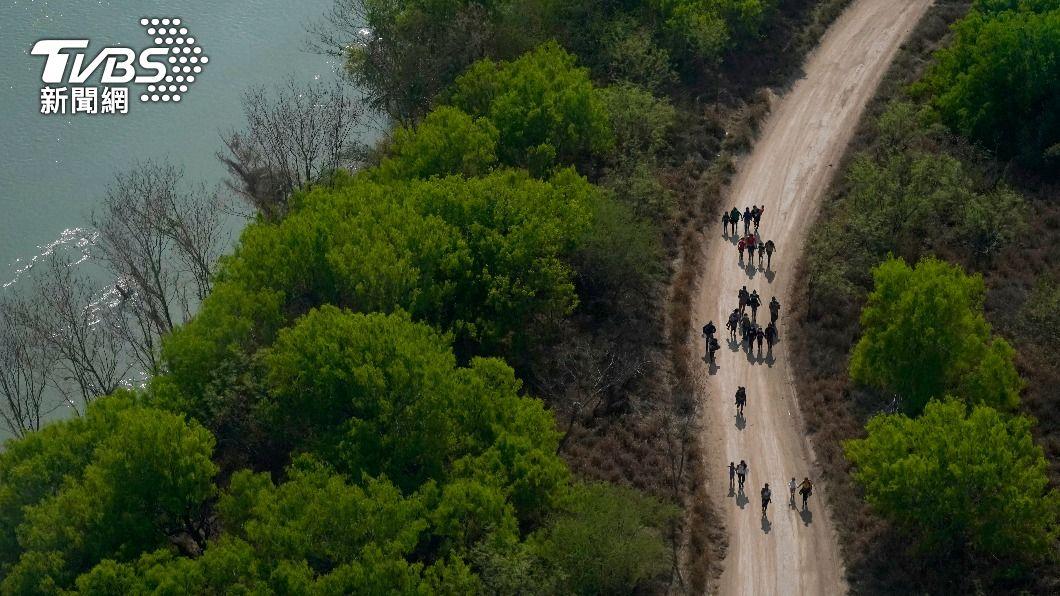 (圖/達志影像美聯社) 阻非法移民入境 拜登遣特使赴墨西哥談根本原因