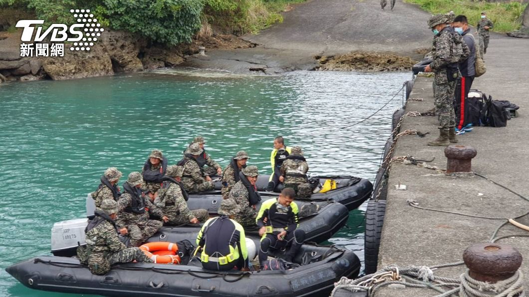 (圖/中央社) 軍方不放棄任何機會 擬水下搜救失蹤飛官潘穎諄