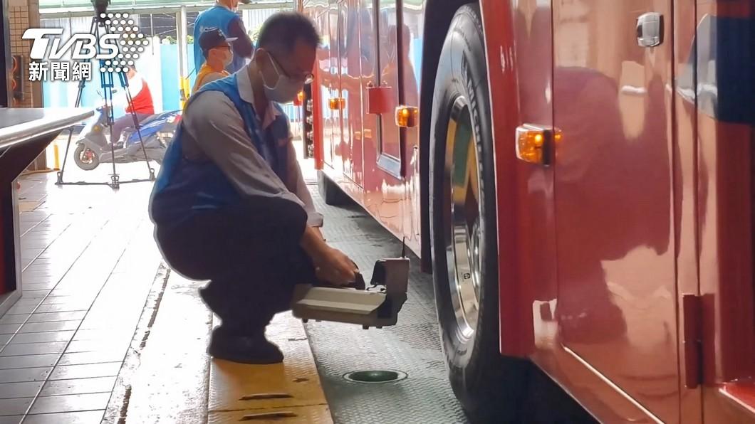 運安會曝「遊覽車U型夾未穿樑」 召回718車