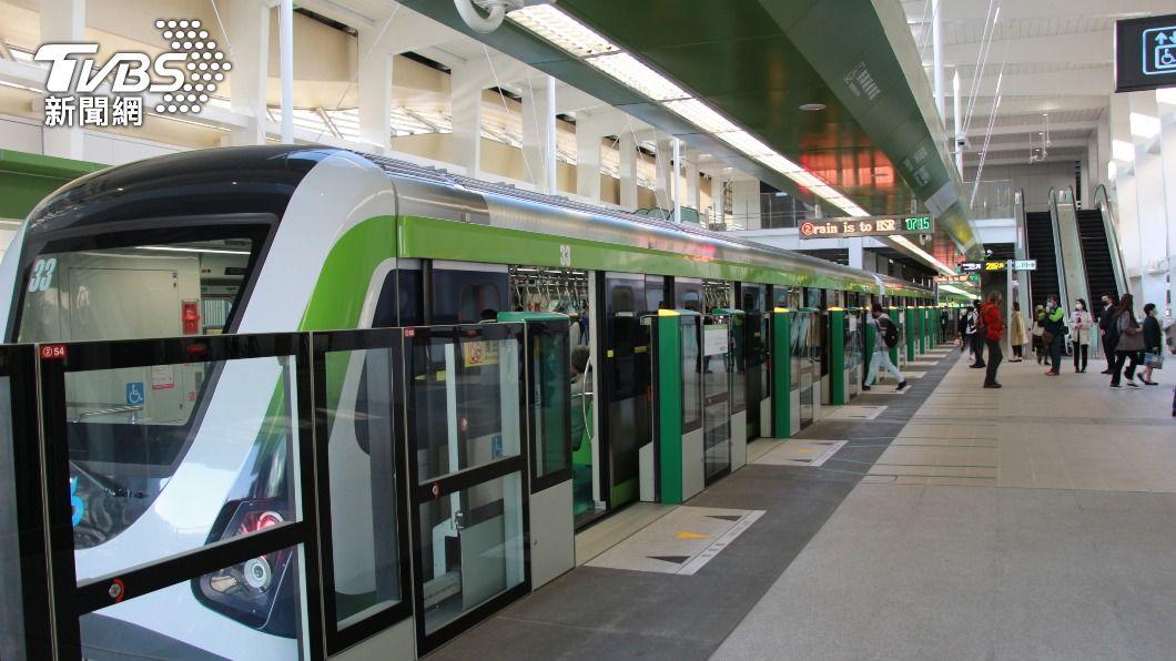 台中捷運今(25)日恢復試營運,試乘狀況良好。(圖/中央社) 台中捷運恢復試營運湧入萬人  清明連假望再創高峰
