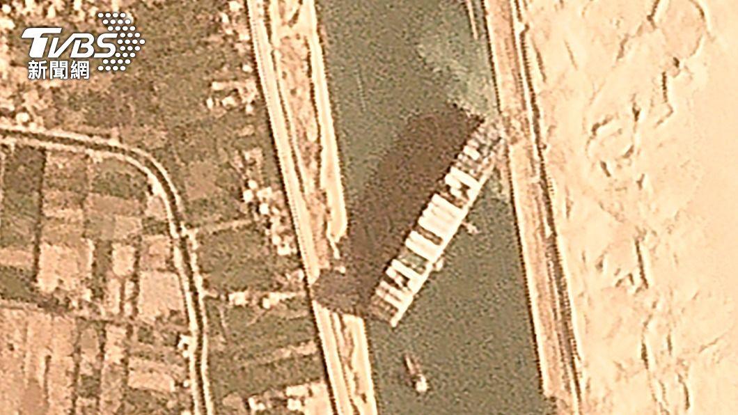 (圖/達志影像美聯社) 長榮貨輪擱淺蘇伊士運河大塞船 俄國趁機推北方海路