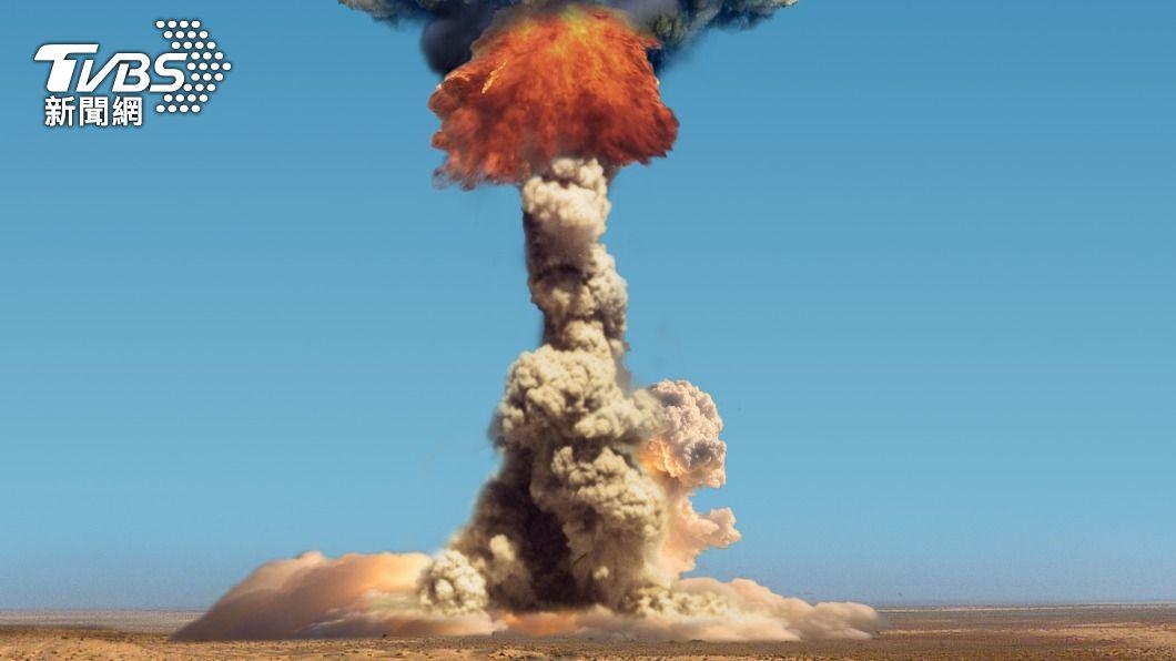 男童不慎將土製炸彈引爆。(示意圖/shutterstock 達志影像) 撿到2顆球!印童誤將炸彈拿來玩 瞬間遭炸飛慘死