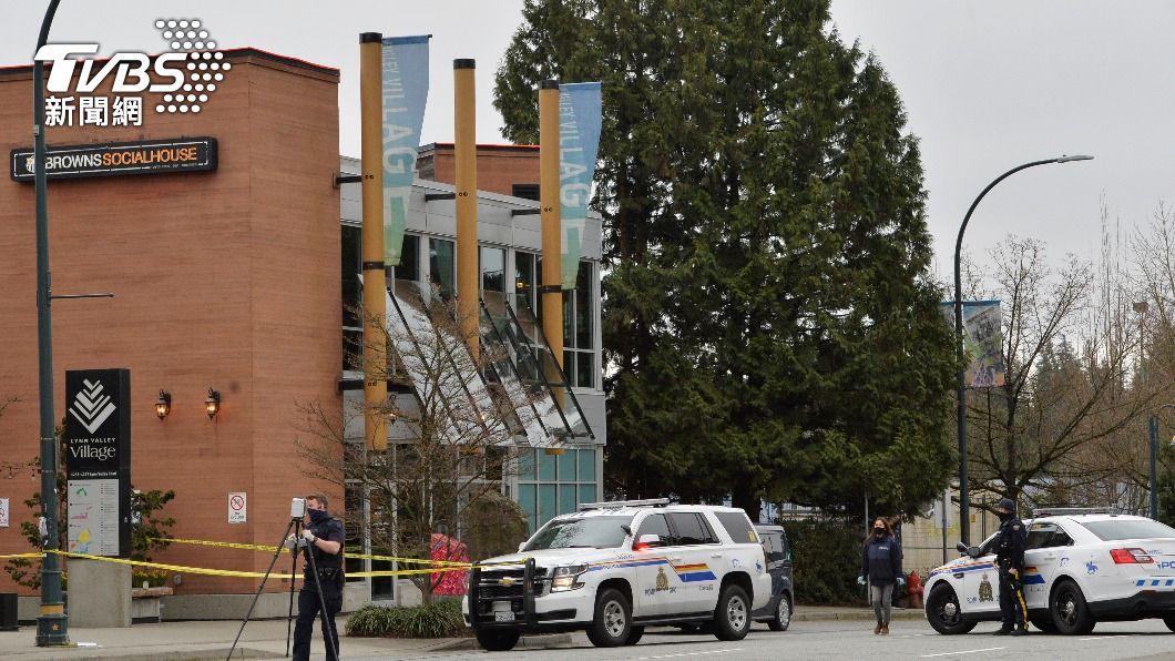 加拿大溫哥華今(28)日在一處圖書館附近,發生一起持刀攻擊事件,共6人送醫。(圖/達志影像路透社) 溫哥華驚傳持刀攻擊事件 6人送醫凶嫌落網