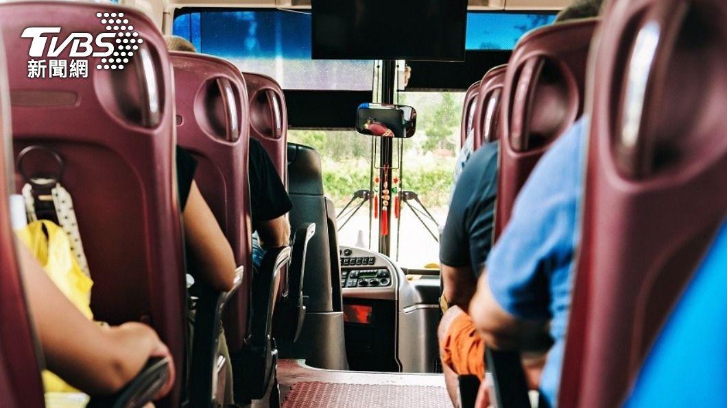 清明連假要收假了,搭乘公共運輸即享4大優惠。(示意圖/Shutterstock達志影像) 收假省荷包!搭公共運輸享優惠 90條國道客運打85折