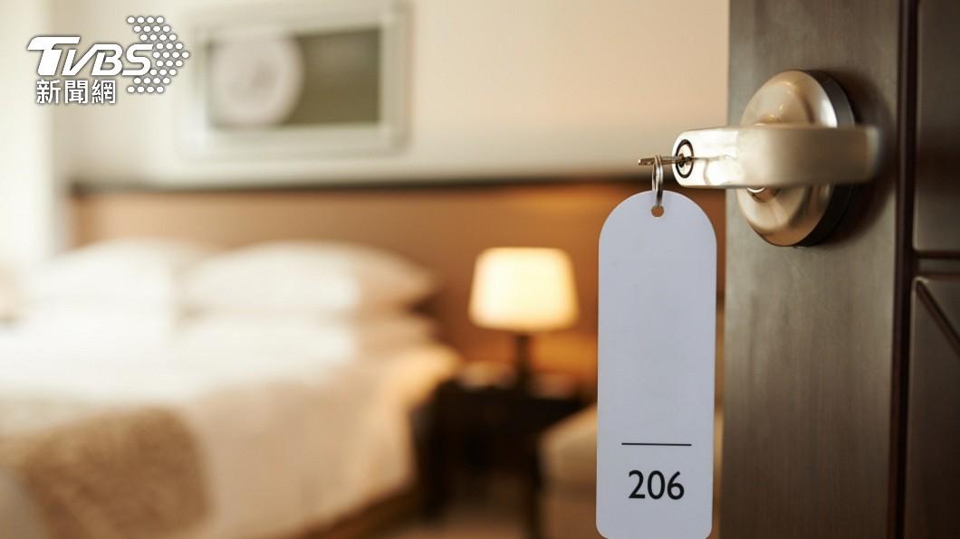 許多人都有外出旅遊住宿飯店房間的經驗。(示意圖/shutterstock 達志影像) 遊客住房堅持點香念經 招來「好兄弟」等抓交替