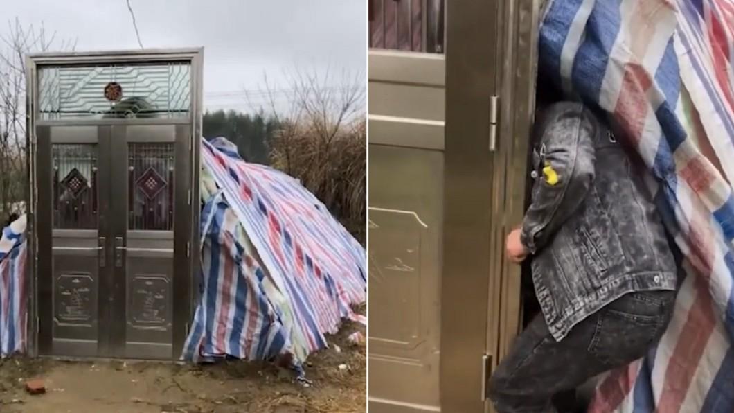 男子特別裝了防盜門在帳篷外。(合成圖/翻攝自搜狐千里眼) 帳篷防小偷裝「超大防盜門」 陸屋主進出秒破功