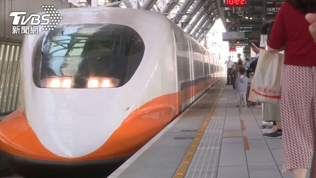 女子搭乘高鐵時,一直不斷聽見隔壁傳來剔牙聲。(圖/TVBS) 搭高鐵隔壁猛傳「嘖嘖聲」 女一看反胃:超噁