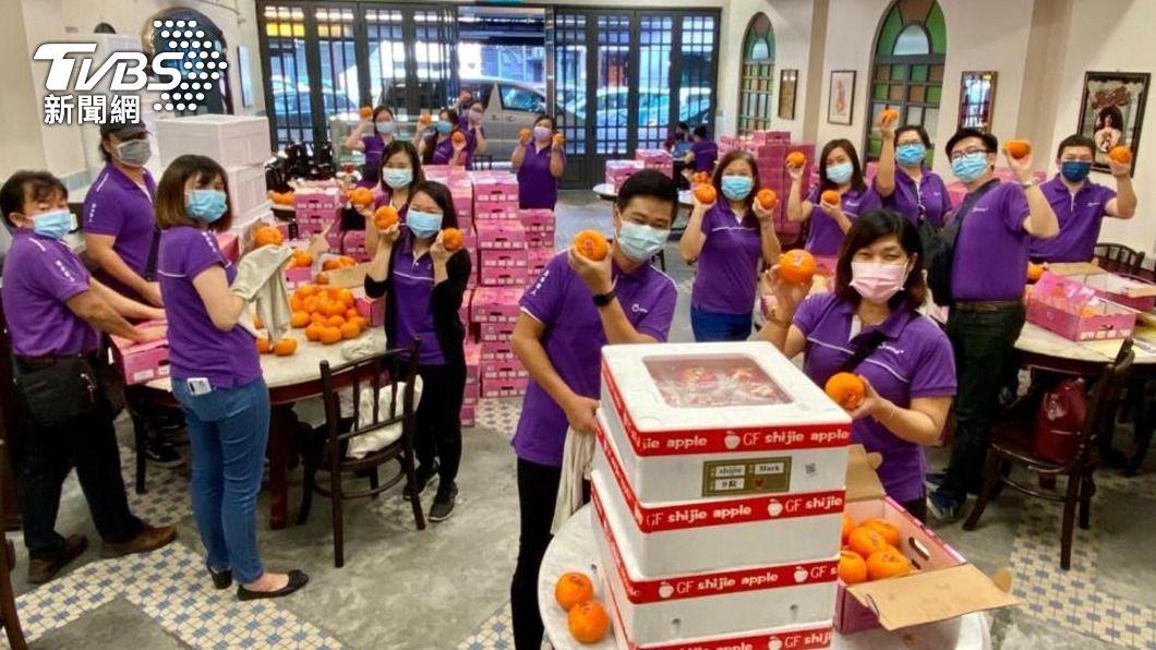 馬來西亞旅行社改賣日本水果求生存。(圖/中央社) 疫情下星馬旅行社創意求生 搶攻網購零售市場
