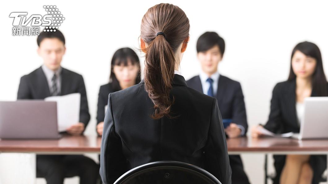 一名人資女主管認為履歷照片有助提升面試機率。(示意圖/Shutterstock達志影像) 人資主管曝履歷照「12地雷」 千人愣:第10也太嚴格