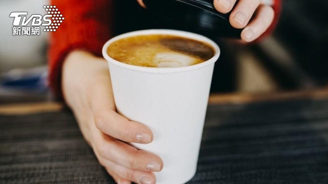 清明連假4大超商推出限定優惠。(示意圖/shutterstock達志影像) 清明連假「4大超商」推好康 咖啡買2送2、下殺6折