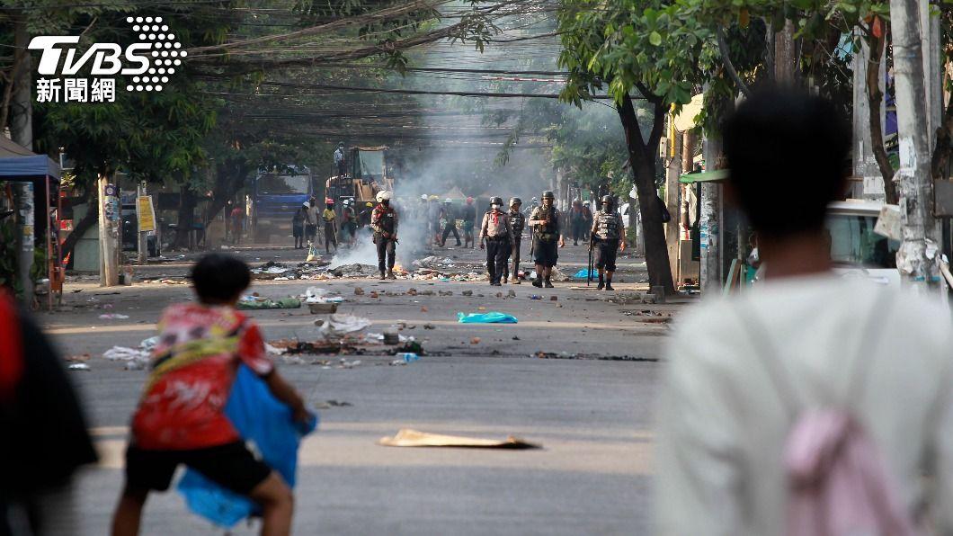 (圖/達志影像美聯社) 聯合國數十會員國發聲明 譴責緬甸軍方壓制媒體