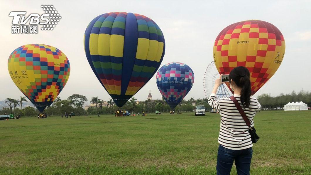 (圖/中央社) 台中歡慶兒童節 闖關活動秘境踏青熱氣球體驗