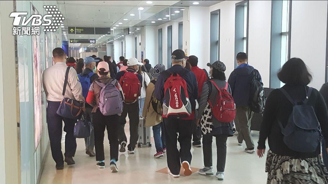 (圖/中央社) 清明連假台澎交通疏運順利 航班載客率達99%