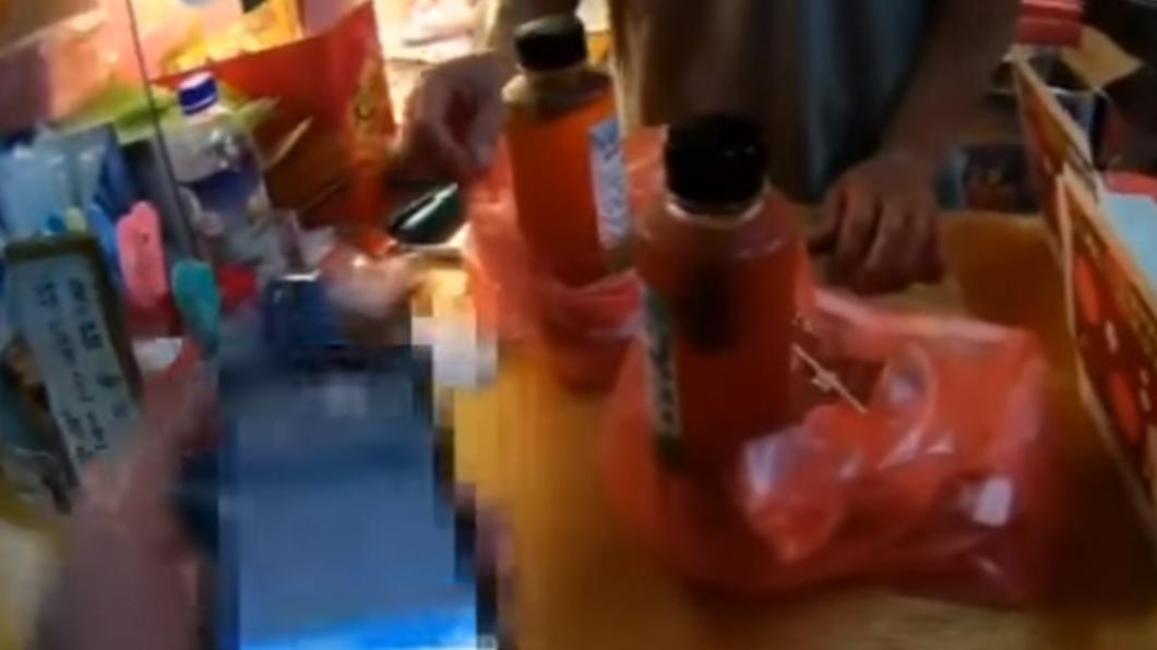 店家老闆不願配合外送員核對餐點。(圖/翻攝自「爆怨2公社」臉書) 不滿「要求核對餐點」爆粗口 同業揭露:店家態度超差勁