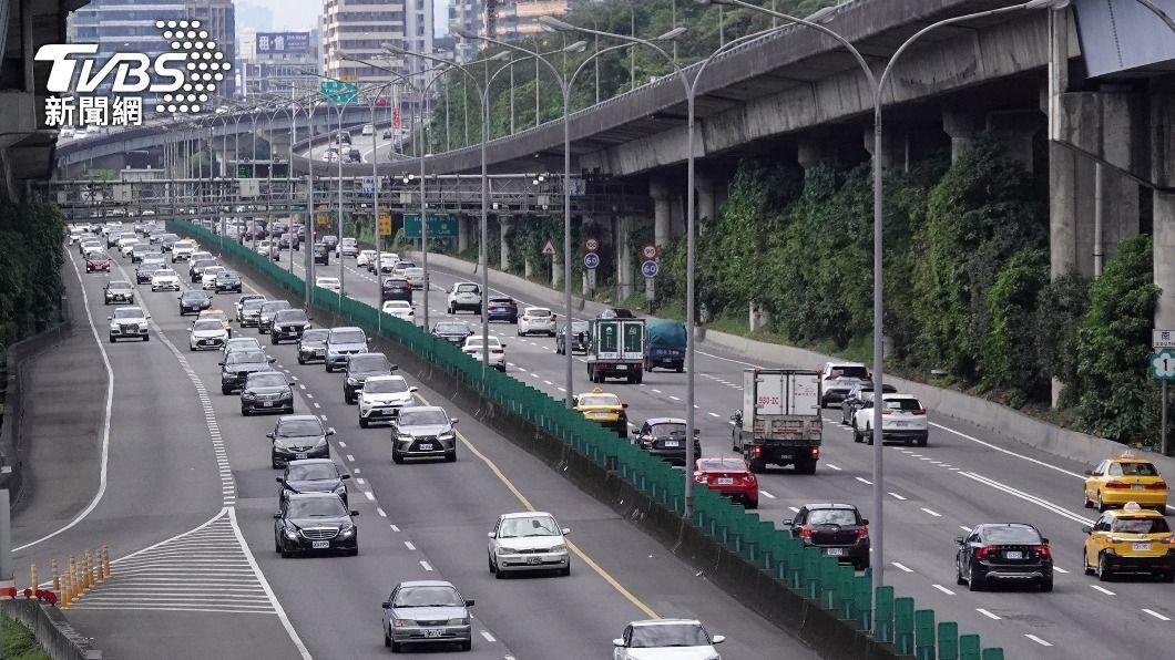 公路總局預估蘇花改中午過後將湧現北返車潮。(圖/TVBS資料畫面) 蘇花改行車順暢 估午後湧現北返車潮