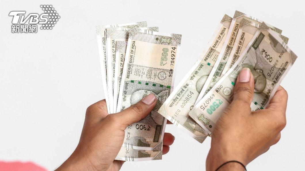印度一名竊賊因獲得大量錢財興奮昏倒。 (示意圖/shutterstock 達志影像) 偷到27萬嗨翻 印竊賊過度興奮「心臟病發」送醫