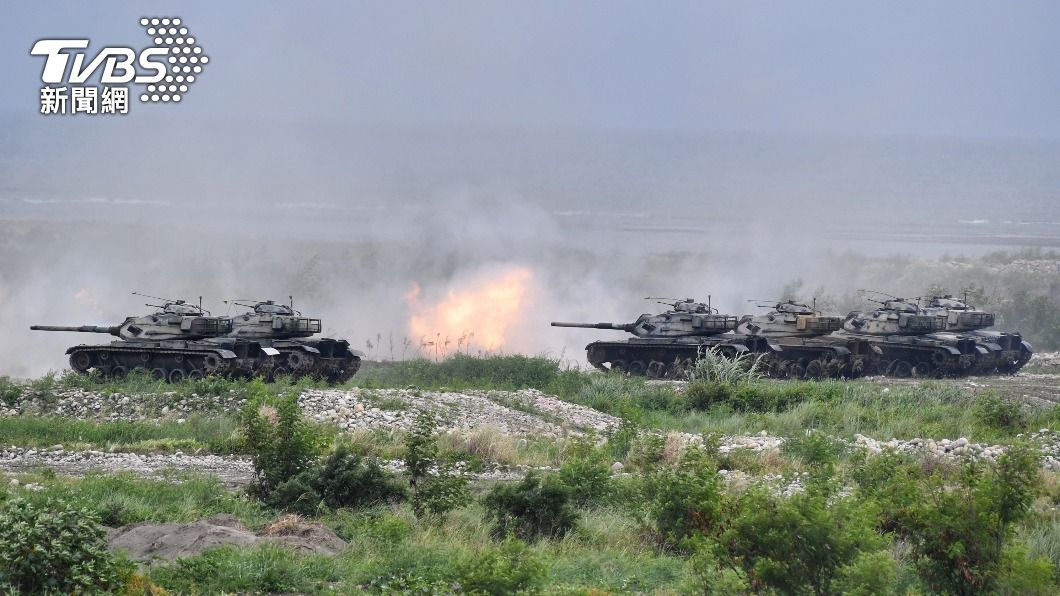 圖為M60A3戰車火砲射擊。(圖/中央社資料照) 漢光37號實兵演練7月登場 動員8千名後備兵力