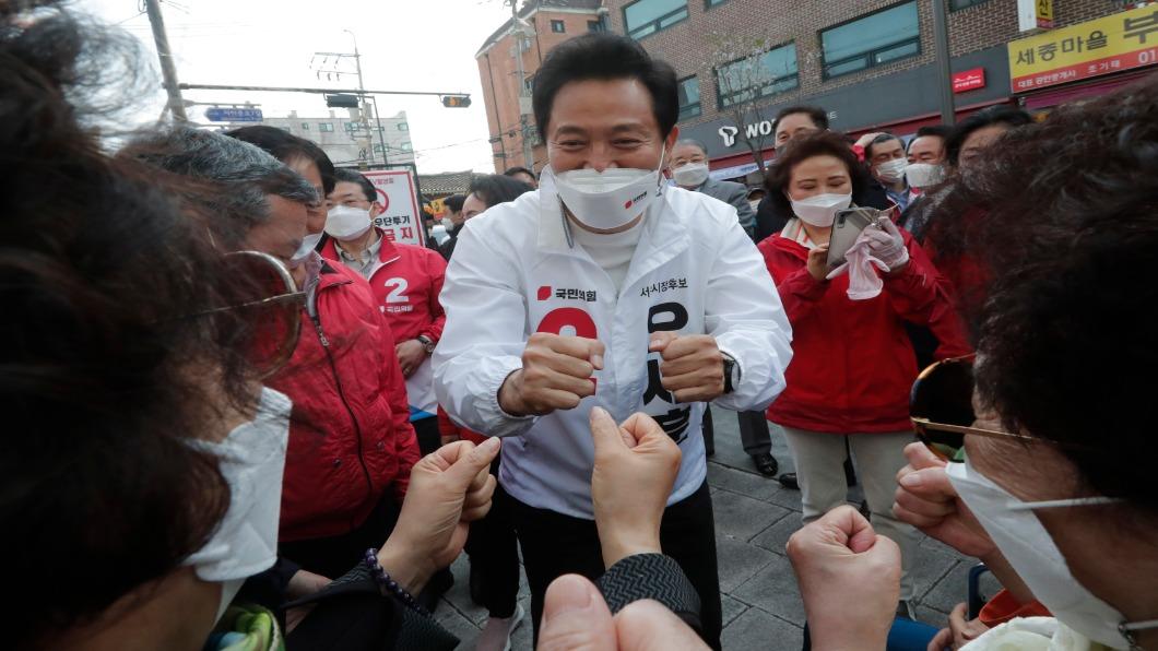 圖/達志影像美聯社 首爾.釜山市長補選投票日 南韓激增668例