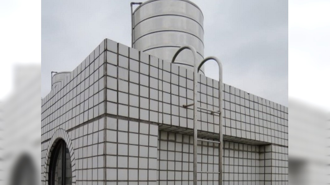 苗栗有民眾發現鄰居在停水第一天就把儲水用光。(圖/翻攝自我是頭份人) 停水第1天鄰居「敗光水塔」 他糾結:該借浴室嗎?