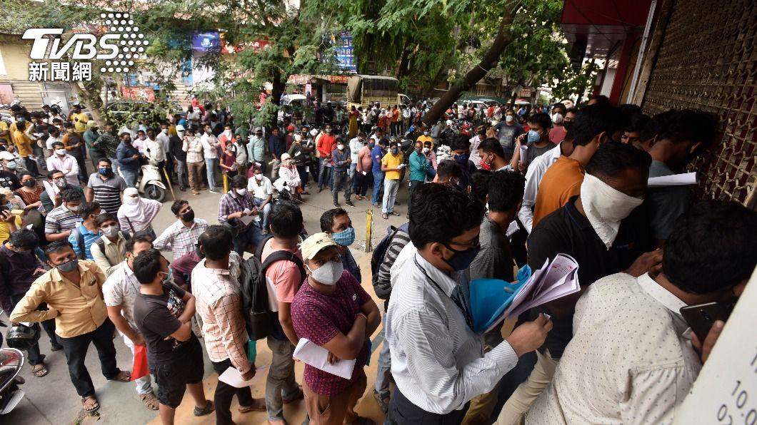 (圖/達志影像美聯社) 多地新冠肺炎疫苗短缺 印度中央政府加速供應
