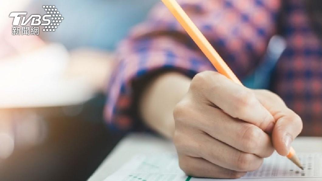 一名家長透露就讀國一的女兒,先前遭國文老師責罵「朽木不可雕也」。(圖/TVBS資料畫面) 遭國文老師罵「朽木不可雕」 國一女用段考成績嗆回去