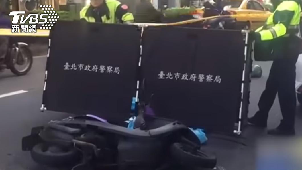女騎士因閃避違停遭輾斃。(圖/TVBS資料畫面) 女騎士閃違停Uber遭輾爆頭 司機違規載客下場曝