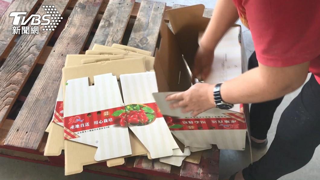 近日台灣農用紙箱大缺貨。(圖/TVBS) 國際廢紙價揚、大陸需求擴增 紙箱漲勢不可擋