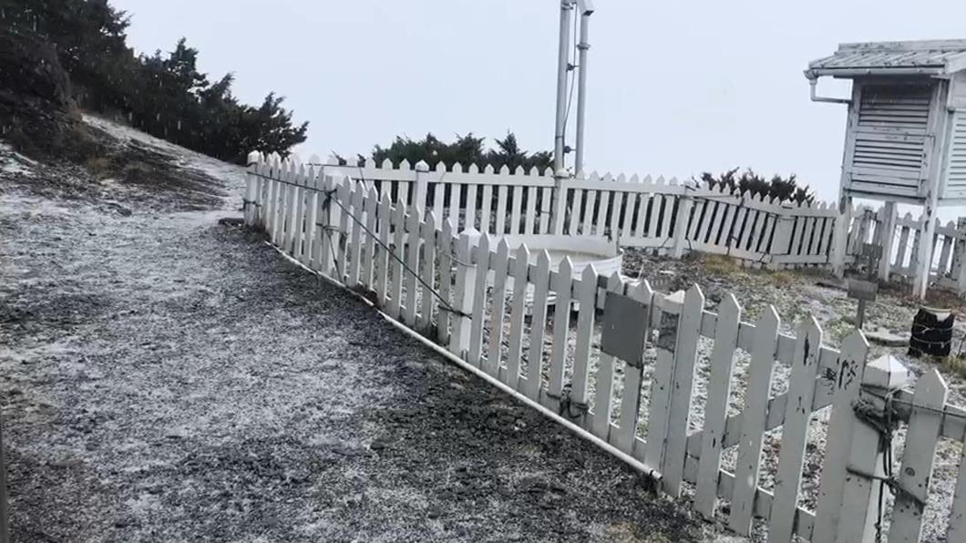 圖/氣象局提供 快訊/好美!玉山上午11:55 局部區域降下冰雹