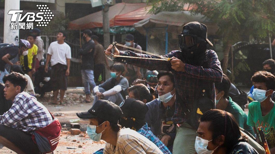血腥鎮壓! 緬甸軍方持槍殺害逾80名示威者